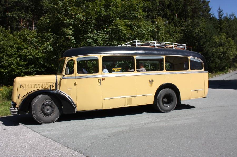 001.Der Zubringerbus Baujahr 1956